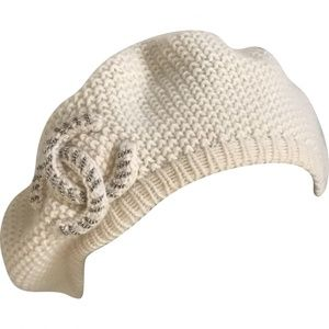 dd4e7e0ba27 CHANEL Accessories - CHANEL Cashmere CC Beret hat and scarf set